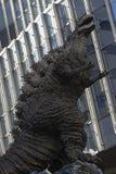 Godzilla statua w Hibiya obrazy royalty free