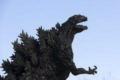 Godzilla staty i Hibiya royaltyfri fotografi