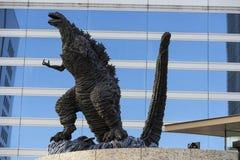 Godzilla staty i Hibiya royaltyfria foton