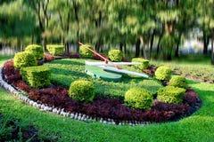 Godzina i ogródu lanscape w Bangkok zdjęcia stock