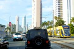 Godzina szczytu ruch drogowy w surfingowa raju Gold Coast Queensland, Australia obraz stock