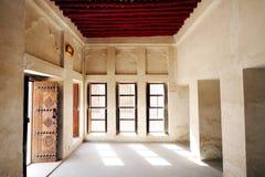 Goed - geventileerde ruimte van het oude huis van Sheikh Isa Bin Ali Royalty-vrije Stock Afbeelding