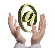 Goed gevormd de holdingse-mail symbool van de zakenmanhand royalty-vrije stock foto's