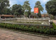 Goed van Hemelse Schittering, derde binnenplaats, Tempel van Literatuur, Hanoi, Vietnam royalty-vrije stock afbeelding