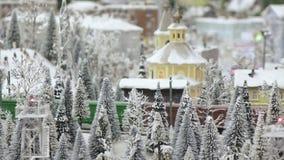Goederentrein in sneeuwhout stock videobeelden