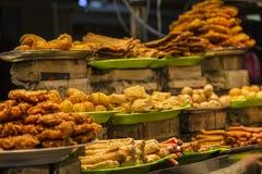 Goedkoop die voedsel bij markt in Penang Maleisië wordt gevonden stock afbeelding