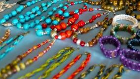Goedkope juwelen op de open markt, Myanmar stock footage