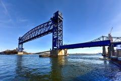 Goethalsbrug en Arthur Kill Vertical Lift Bridge Stock Foto