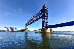 Goethalsbrug en Arthur Kill Vertical Lift Bridge Royalty-vrije Stock Foto's