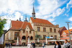 Goettingen, Germany - September 14, 2015: City Hall Square in Goettingen with the Gaenseliesel fountain and pedestrian zone Royalty Free Stock Images