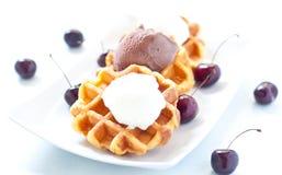 Gofr z lody, czekoladą i wiśniami, Belgium Obraz Royalty Free