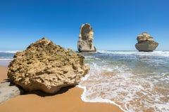 Gog e Magog, spiaggia di Gibson Steps, grande strada dell'oceano, Victoria, Australia Fotografia Stock