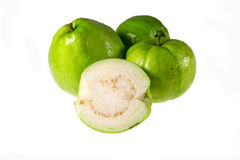 Goiaba (fruto tropical) no fundo branco Fotografia de Stock Royalty Free