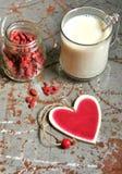 Goji jagodowy śniadanie z migdału mlekiem Zdjęcia Royalty Free