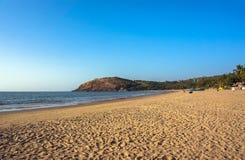 Gokarna,印度,很多黄沙和很少人主要镇海滩  免版税库存图片