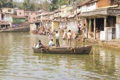 GOKARNA, INDIA - 29 Februari: Het meer na viert Mahashivratri Royalty-vrije Stock Foto