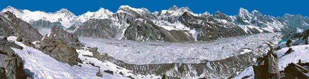 从Gokyo Kalapatthar的珠穆琅玛全景 库存照片