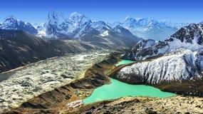 从Gokyo Ri,珠穆琅玛地区,尼泊尔的美丽的景色 库存图片