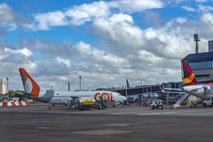 Gol Airline Avión de la compañía Gol Airline en el aeropuerto internacional de Salgado Filho foto de archivo