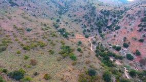 Gola di Deepg in montagne a Creta video d archivio