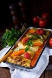 Golabki - le chou polonais roule en sauce tomate photo libre de droits