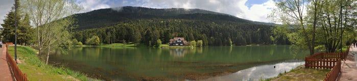 Golcuk湖在博卢,土耳其 免版税库存图片