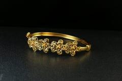 Free Gold Bangle Jewellery Stock Photography - 86513692