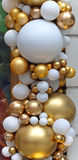 Gold Baubles Royalty Free Stock Photography