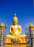 Gold-Buddha-Statue Lizenzfreie Stockfotografie