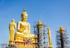 Gold-Buddha-Statue Stockbild