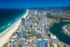 GOLD COAST, AUS - 4. OKTOBER 2015: Vogelperspektive des Gold Coast herein Stockbild