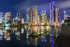 Gold Coast på natten Royaltyfri Foto