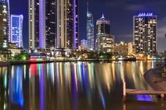 Gold Coast på natten Arkivfoton