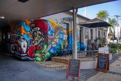 Gold Coast Queensland Australia Październik 20 2018 malowidła ściennego graffiti izolują sztukę na frontowym drogowym bocznym wej fotografia royalty free