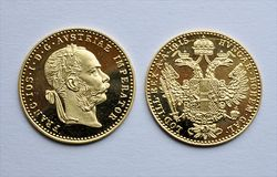 Free Gold Coins - Ducat Austrian, Hungarian Stock Photography - 82533712