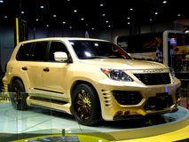 Gold des Lexus Eindringling-L60 Stockbilder