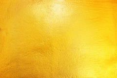 Gold gemalt auf Zement und konkreter Beschaffenheit für Muster und Rückseite Lizenzfreies Stockbild