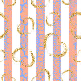 Gold grunge hearts craquelure stripes seamless pattern Royalty Free Stock Photography