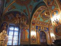 Gold ornated Innenraum der orthodoxen Kirche Lizenzfreies Stockbild
