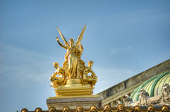 Free Gold Statues, Paris Opera Center Royalty Free Stock Photography - 71543477