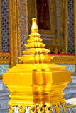 Gold    temple   in   bangkok  thailand incision of   temple Stock Photography