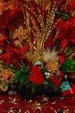 Gold und rote Weihnachtsdekorationen lizenzfreies stockfoto