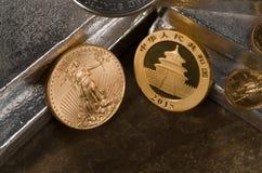 Gold Vereinigter Staaten gegen China-Gold Stockfotos