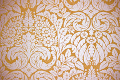 Gold wallpaper. Luxury seamless golden floral wallpaper Royalty Free Stock Images