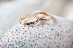 Gold wedding rings Royalty Free Stock Photos