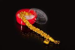 Goldarmband stockbild