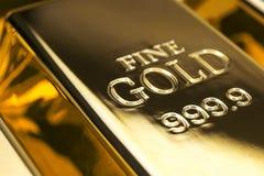 Goldbarren und Finanzkonzept Lizenzfreies Stockbild