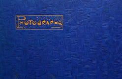 Goldblatt-Briefgestaltung auf Weinlesehintergrund Stockfotos