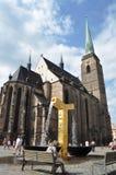 Goldbrunnen in Pilsen Stockfotos