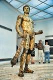 Golded赫拉克勒斯古铜雕象  库存图片